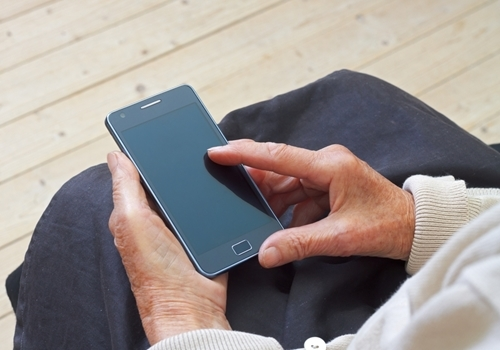 Smartphones provide easy access to video communication with family  1773 40141363 0 14109347 500